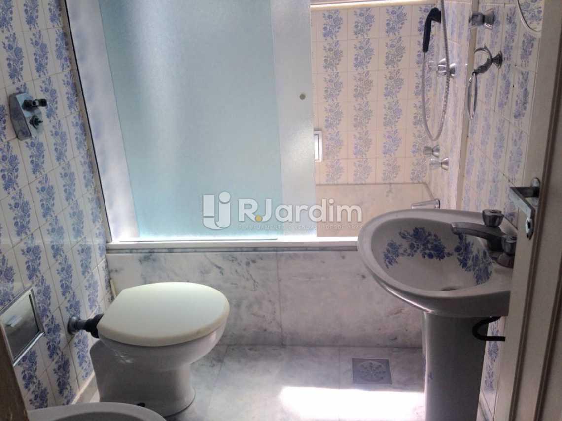 Banheiro de serviço - Apartamento Lagoa 3 Quartos Aluguel Administração Imóveis - LAAP31575 - 19