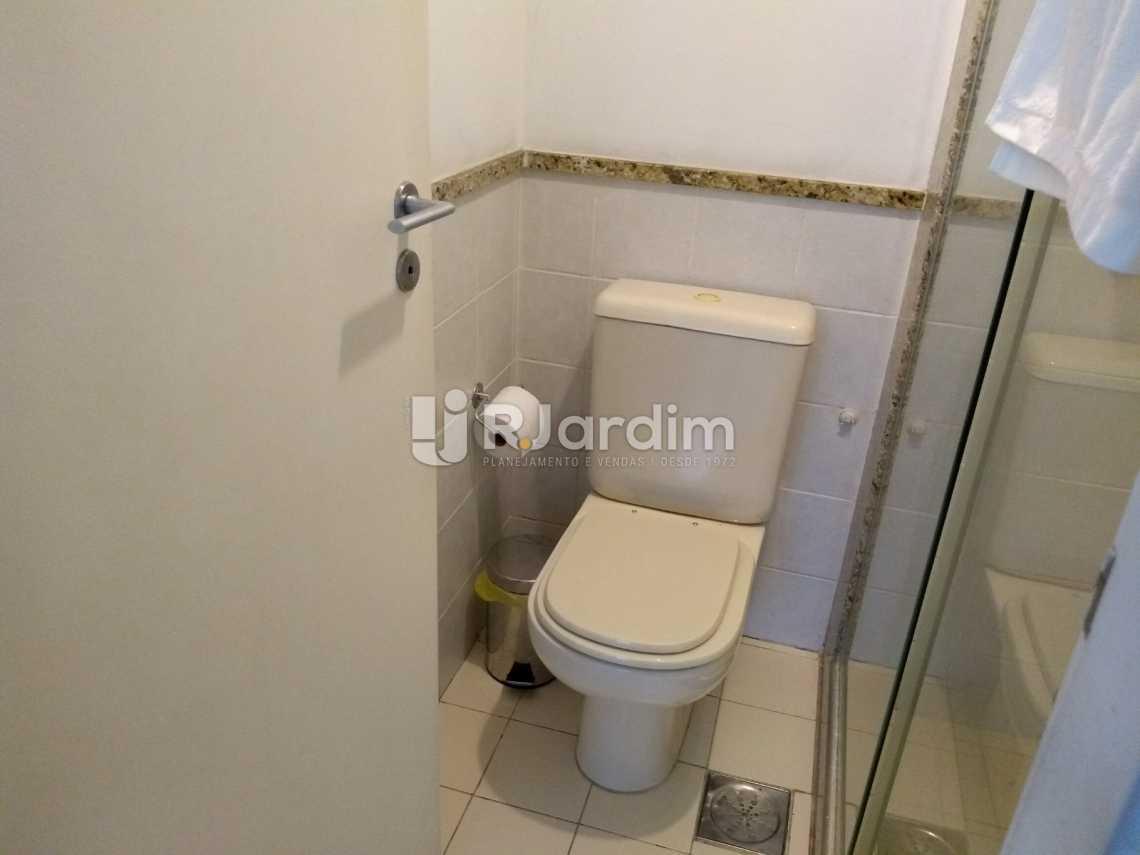 banheiro  - Flat À VENDA, Jardim Botânico, Rio de Janeiro, RJ - LAFL10069 - 13