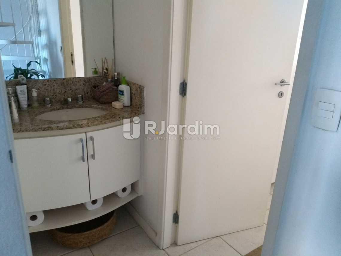 banheiro  - Flat À VENDA, Jardim Botânico, Rio de Janeiro, RJ - LAFL10069 - 12