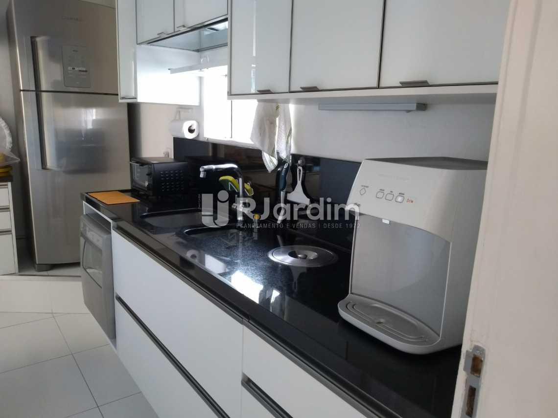 cozinha / área  - Cobertura À VENDA, Leblon, Rio de Janeiro, RJ - LACO30227 - 23