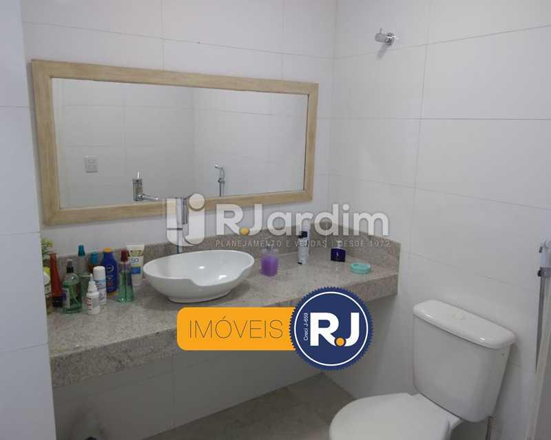 banheiro 1 - Apartamento Humaitá 2 Quartos - LAAP21146 - 15
