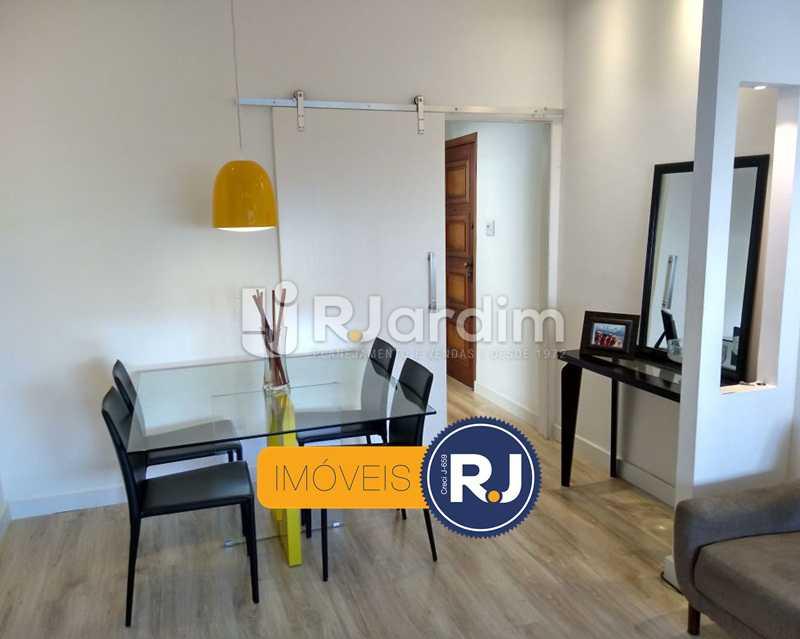 sala / entrada social - Apartamento Humaitá 2 Quartos - LAAP21146 - 3