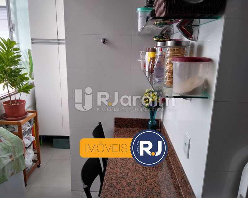 cozinha / área de serviço - Apartamento Humaitá 2 Quartos - LAAP21146 - 24