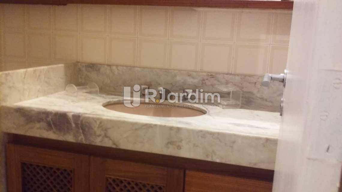 Banheiro social  - Imóveis Aluguel Flat Ipanema 2 Quartos - LAFL20063 - 7