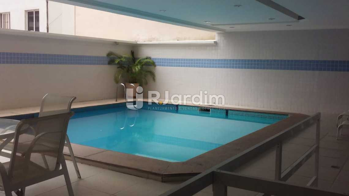 piscina - Aluguel Imóveis Flat Ipanema 2 Quartos - LAFL20064 - 17