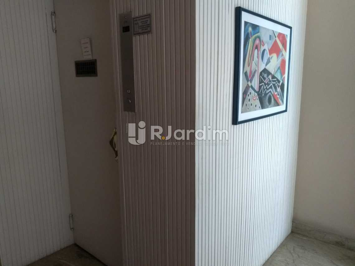 Portaria/elevadores - Apartamento À VENDA, Copacabana, Rio de Janeiro, RJ - LAAP31657 - 22