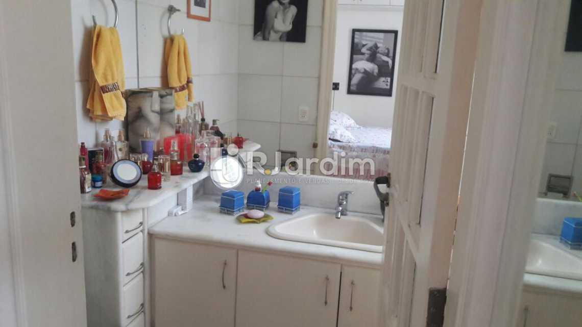 Banheiro social - Apartamento PARA ALUGAR, Copacabana, Rio de Janeiro, RJ - LAAP31665 - 11