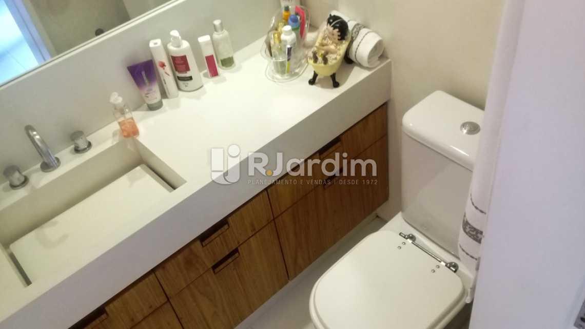 Banheiro social  - Compra Venda Avaliação Imóveis Apartamento Gávea 3 Quartos - LAAP31667 - 12
