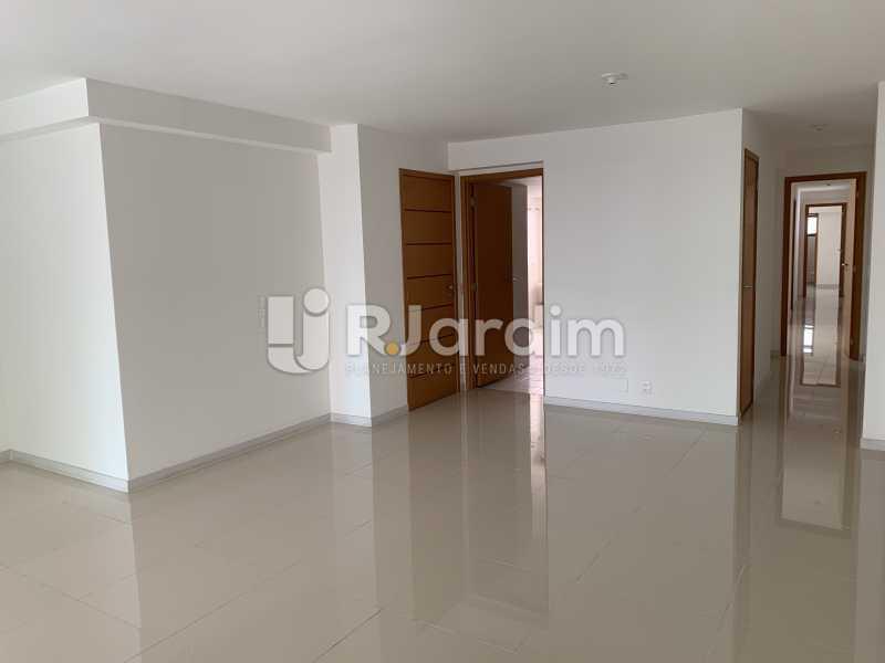 SALA4 - Mariana Classic Apartamento Botafogo 3 Suítes - LAAP31670 - 24