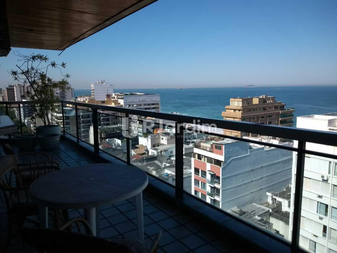 Vista frontal mar  - Compra Venda Avaliação Imóveis Aparthotel Ipanema Apartamento 2 Quartos - LAAP21196 - 3