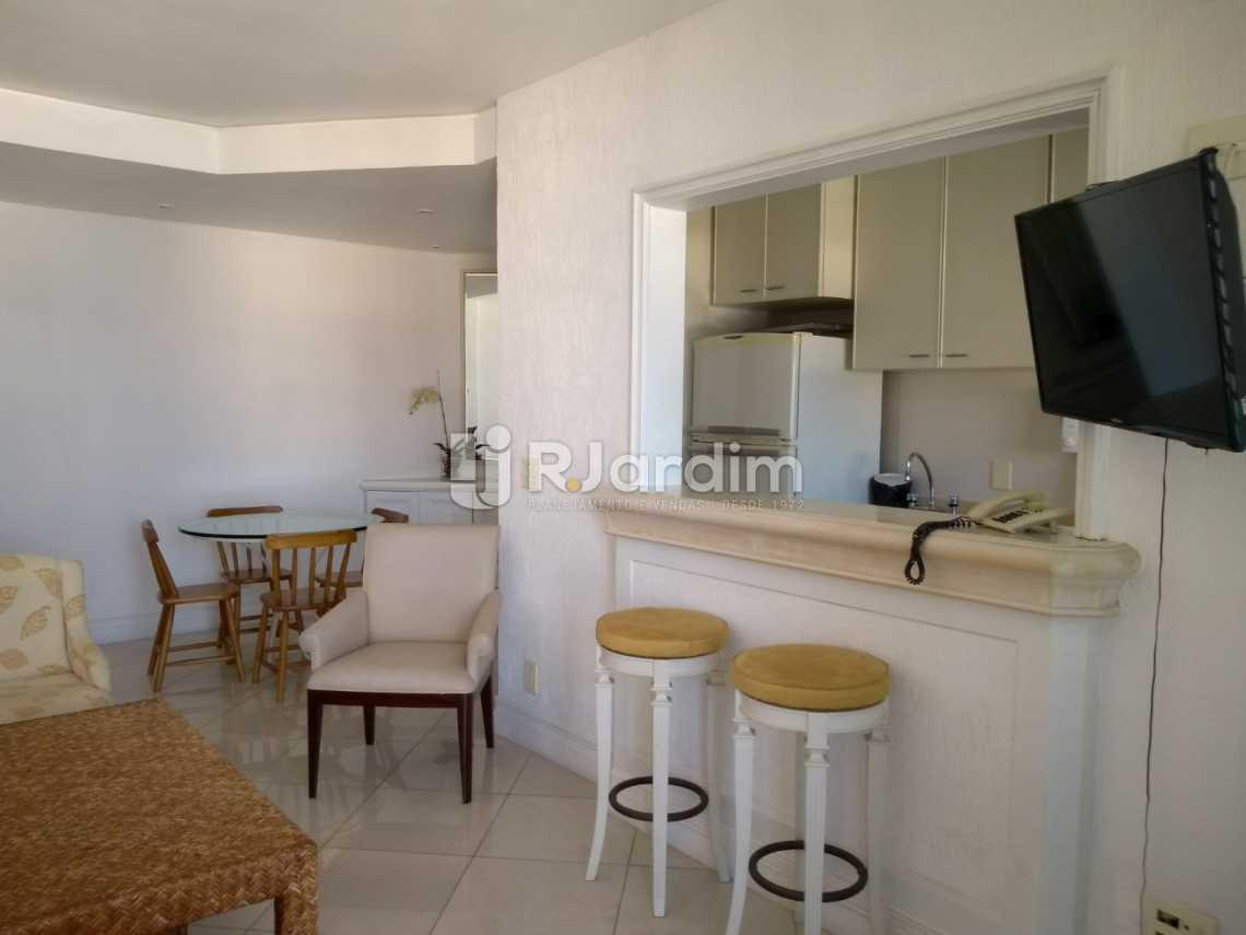 sala / cozinha americana  - Compra Venda Avaliação Imóveis Aparthotel Ipanema Apartamento 2 Quartos - LAAP21196 - 8