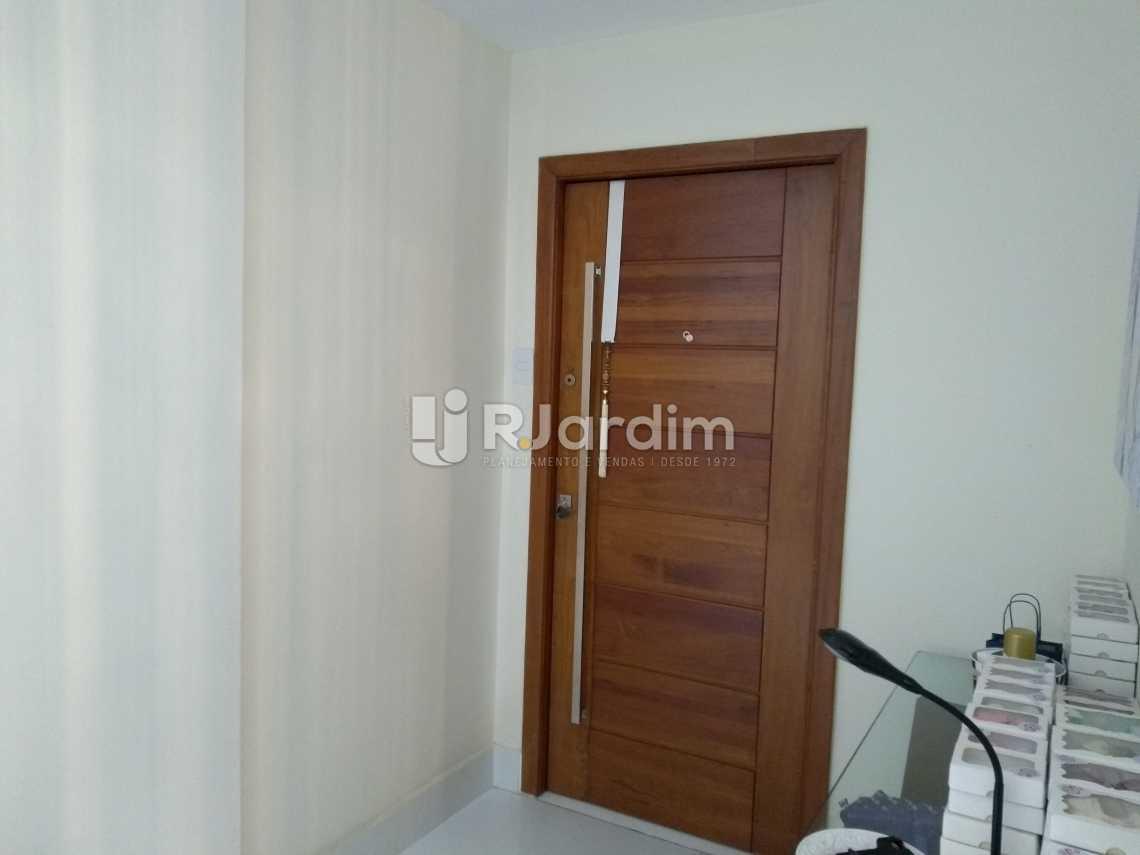 Porta  entrada - Compra Venda Avaliação Imóveis Apartamento Copacabana 3 Quartos - LAAP31678 - 7