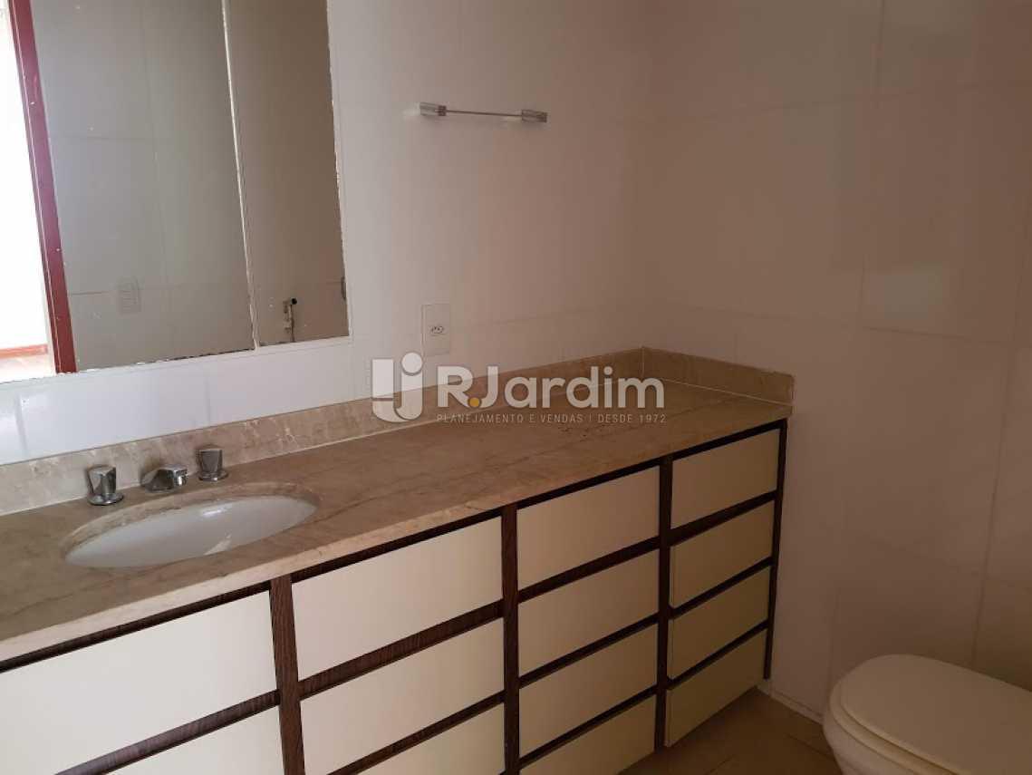 Banheiro suíte - Apartamento PARA ALUGAR, Copacabana, Rio de Janeiro, RJ - LAAP40654 - 12