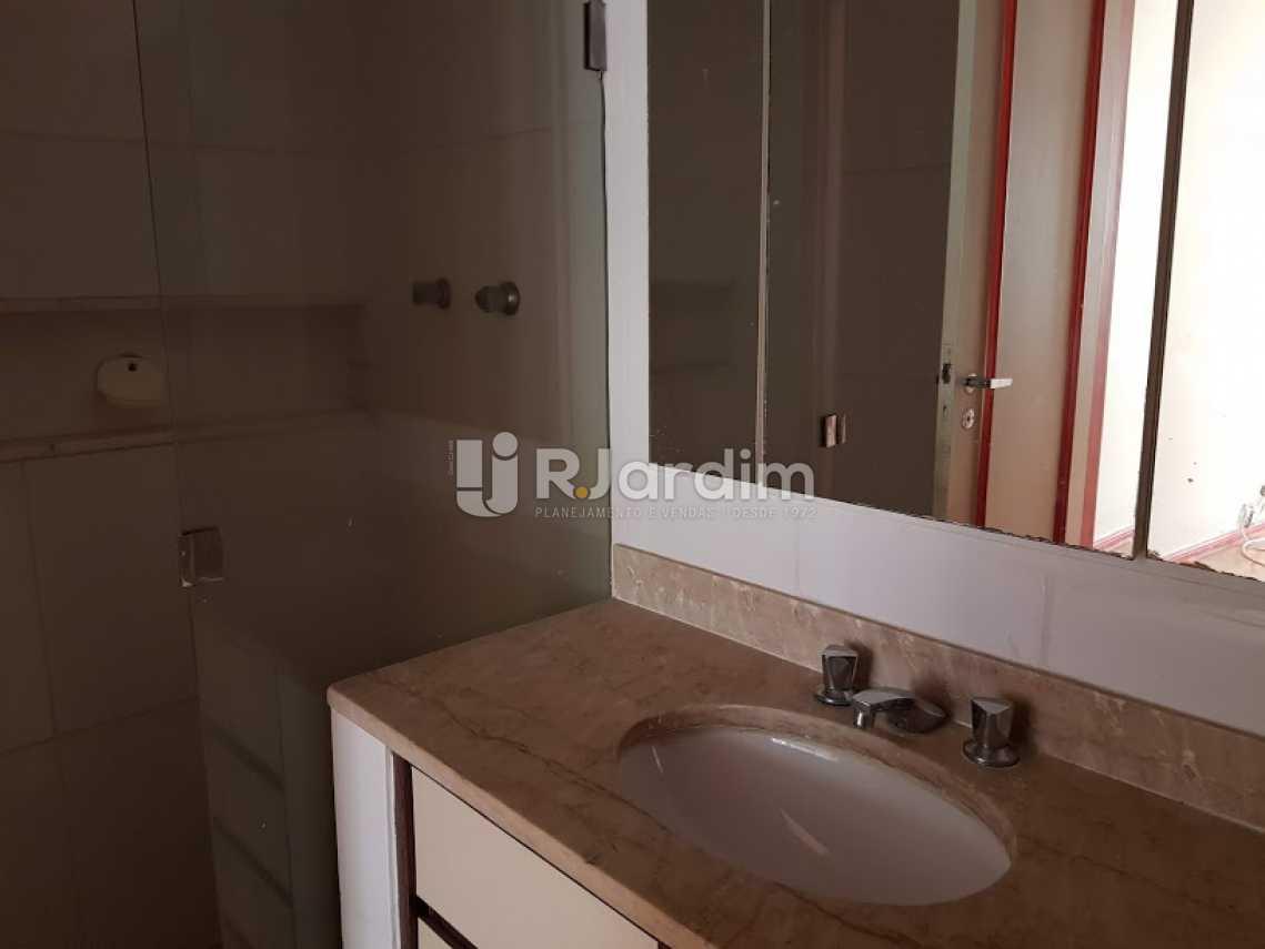 Banheiro suíte - Apartamento PARA ALUGAR, Copacabana, Rio de Janeiro, RJ - LAAP40654 - 13