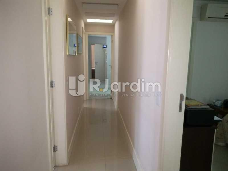 circulação - Apartamento à venda Rua Casuarina,Lagoa, Zona Sul,Rio de Janeiro - R$ 2.500.000 - LAAP31685 - 13
