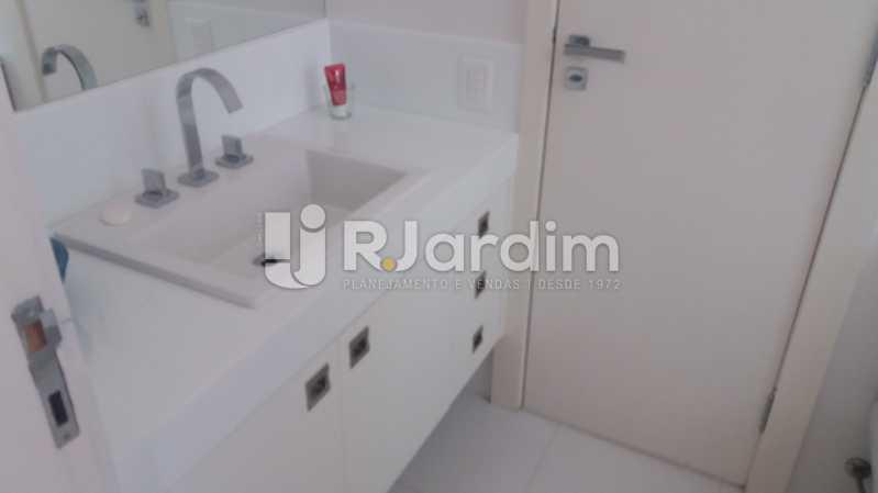 Banheiro social - Apartamento À VENDA, Ipanema, Rio de Janeiro, RJ - LAAP31701 - 8