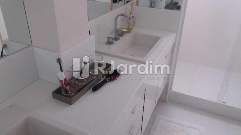 Banheiro suite - Apartamento À VENDA, Ipanema, Rio de Janeiro, RJ - LAAP31701 - 25