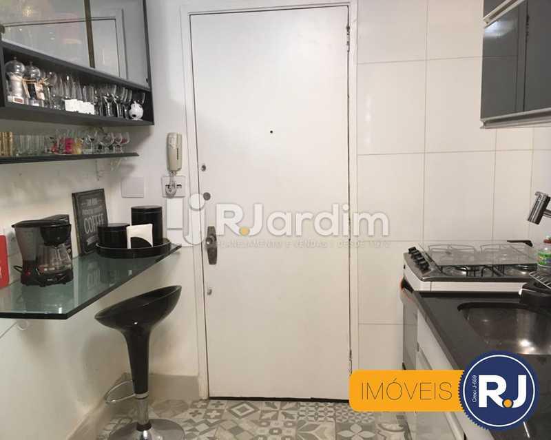 16 cozinha - Compra Venda Avaliação Imóveis Apartamento Laranjeiras 3 Quartos - LAAP31705 - 17