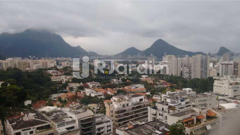 Vista panoramica sala - Apartamento À VENDA, Alto Leblon, Leblon, Rio de Janeiro, RJ - LAAP40664 - 3