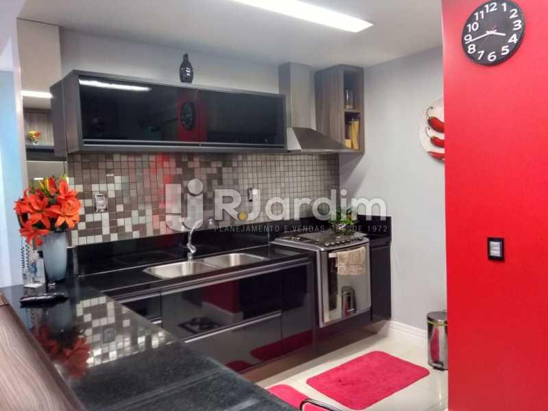 cozinha completa - Apartamento à venda Rua Nascimento Silva,Ipanema, Zona Sul,Rio de Janeiro - R$ 1.550.000 - LAAP31730 - 14
