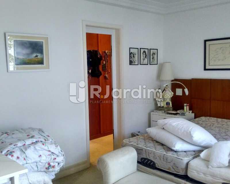 Quarto suíte 1º piso - Sofisticadíssima Cobertura 500 m² no mais completo e cobiçado condomínio da Lagoa - LACO50030 - 11