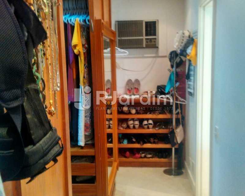 Closet 1º piso - Sofisticadíssima Cobertura 500 m² no mais completo e cobiçado condomínio da Lagoa - LACO50030 - 12