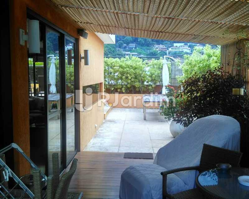 Varanda 2º Piso - Sofisticadíssima Cobertura 500 m² no mais completo e cobiçado condomínio da Lagoa - LACO50030 - 18