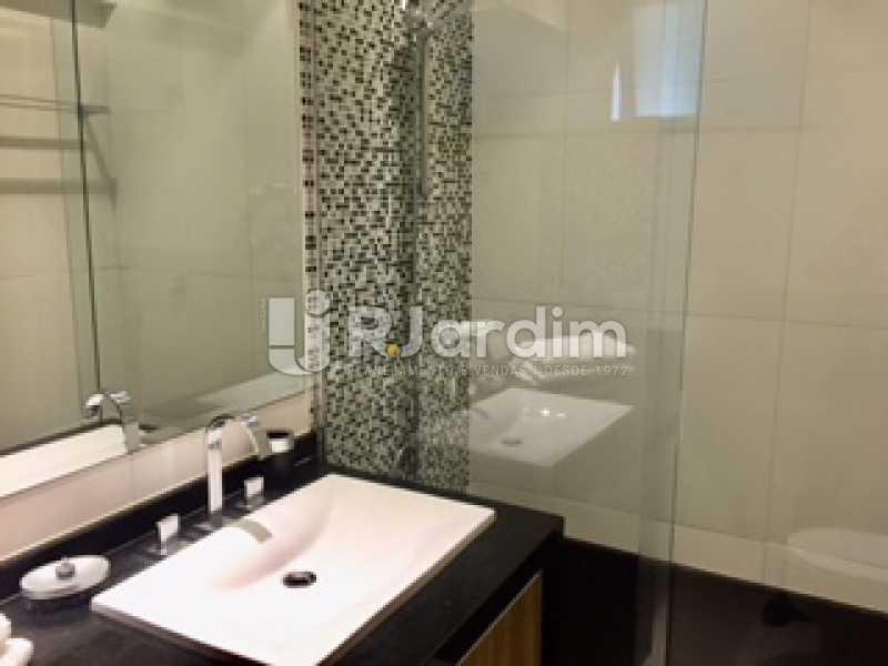 banheiro da suíte - Apartamento À VENDA, Ipanema, Rio de Janeiro, RJ - LAAP31731 - 21