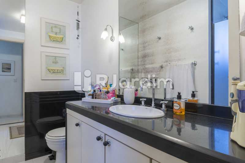 Banheiro suite - Apartamento à venda Rua Santa Clara,Copacabana, Zona Sul,Rio de Janeiro - R$ 1.850.000 - LAAP40668 - 11