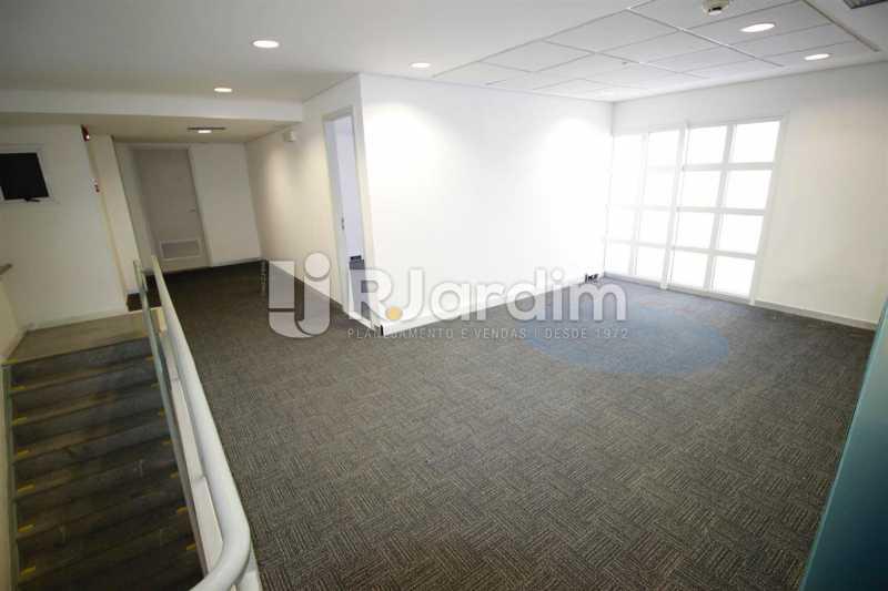 Salão 2o. piso - Loja Comercial Barra da Tijuca Aluguel Administração Imóveis - LALJ00117 - 8