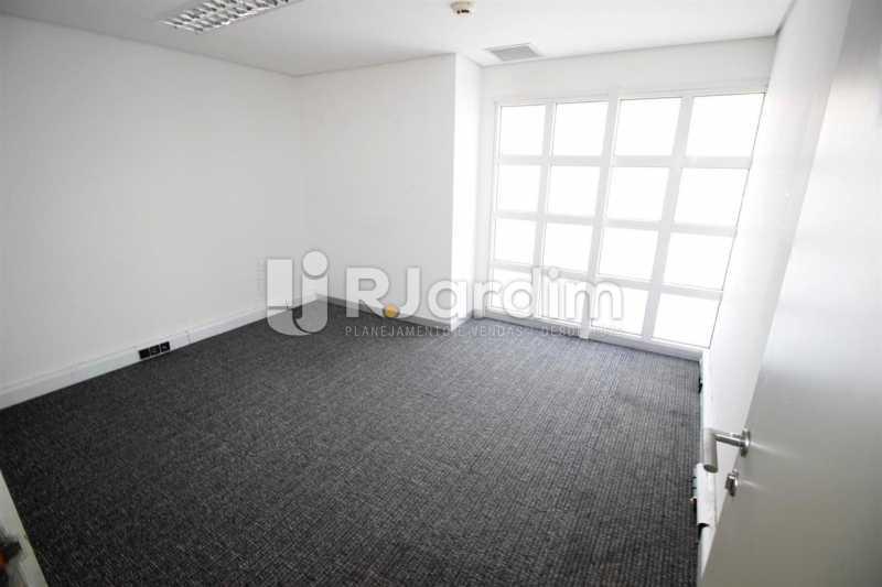 Salão 2o. piso - Loja Comercial Barra da Tijuca Aluguel Administração Imóveis - LALJ00117 - 9