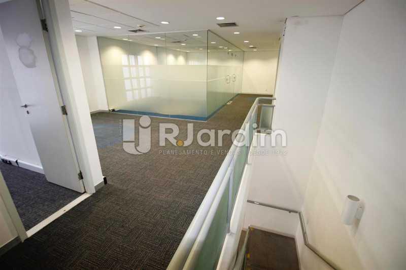 Área no 2o. piso - Loja Comercial Barra da Tijuca Aluguel Administração Imóveis - LALJ00117 - 10