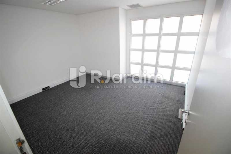 Sala no 2o. piso - Loja Comercial Barra da Tijuca Aluguel Administração Imóveis - LALJ00117 - 15