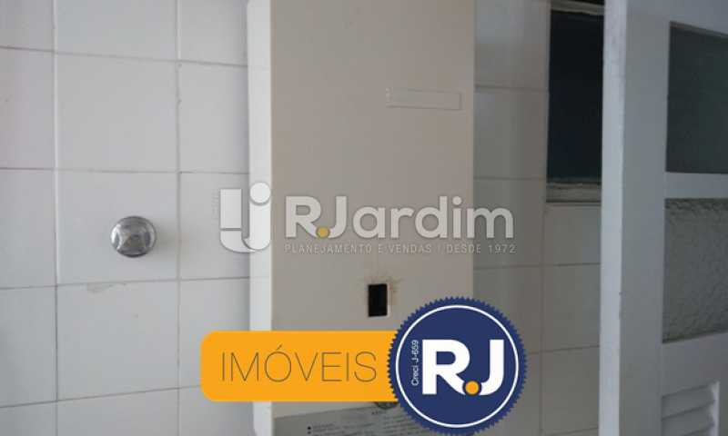 Banheiro de Empregada - Compra Venda Avaliação Imóveis Apartamento Copacabana 3 Quartos - LAAP31762 - 29