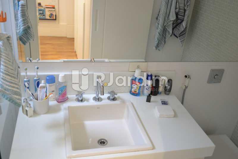 Banheiro Social - Apartamento À Venda Rua General Venâncio Flores,Leblon, Zona Sul,Rio de Janeiro - R$ 3.650.000 - LAAP31774 - 24