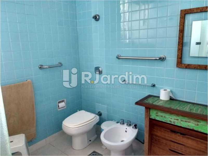 banheiro social - Casa Rua Golf Club,São Conrado, Zona Sul,Rio de Janeiro, RJ À Venda, 5 Quartos, 489m² - LACA50023 - 23