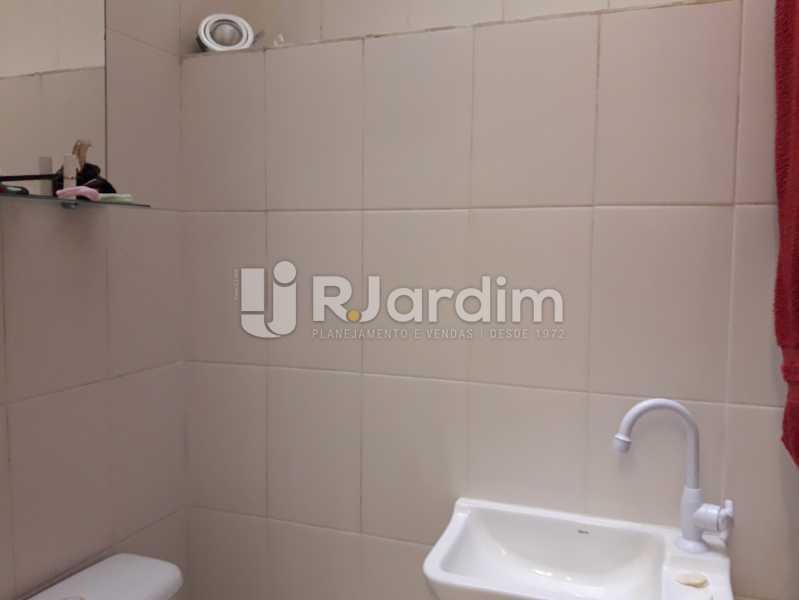 Banheiro serviço - Compra Venda Avaliação Imóveis Apartamento Copacabana 3 Quartos - LAAP31784 - 23