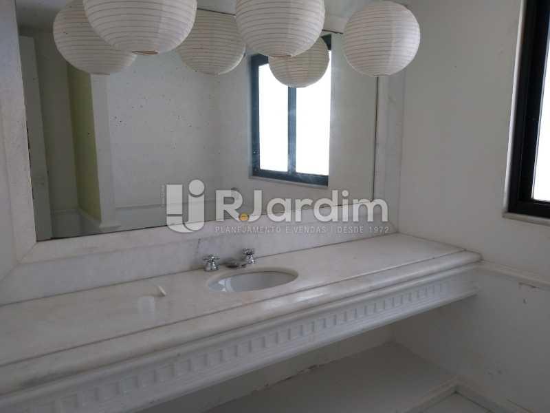banheiro  - Cobertura Rua Aperana,Leblon, Zona Sul,Rio de Janeiro, RJ À Venda, 4 Quartos, 341m² - LACO40159 - 17