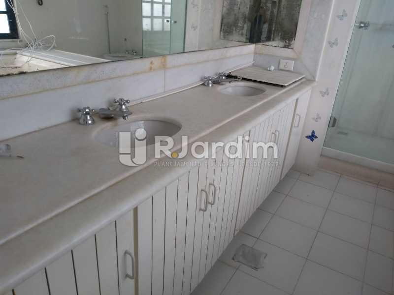 banheiro  - Cobertura Rua Aperana,Leblon, Zona Sul,Rio de Janeiro, RJ À Venda, 4 Quartos, 341m² - LACO40159 - 21
