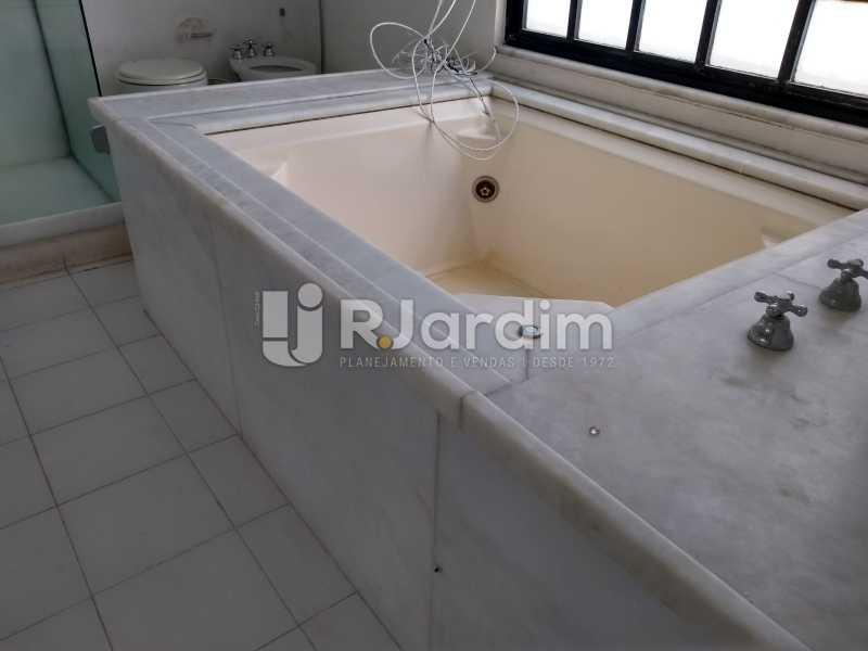 banheiro/jacuzzi - Cobertura Rua Aperana,Leblon, Zona Sul,Rio de Janeiro, RJ À Venda, 4 Quartos, 341m² - LACO40159 - 20