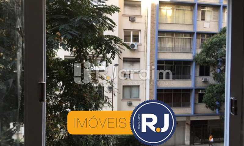 vista da sala - Apartamento À VENDA, Copacabana, Rio de Janeiro, RJ - LAAP21267 - 11