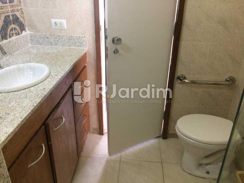 Banheiro suíte - Apartamento PARA ALUGAR, Copacabana, Rio de Janeiro, RJ - LAAP40697 - 15