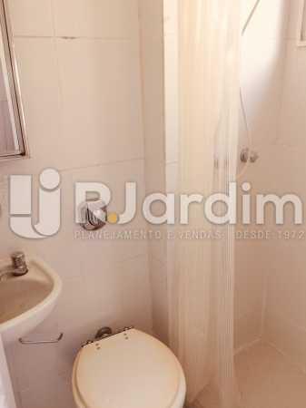 Banheiro de serviço - Apartamento PARA ALUGAR, Copacabana, Rio de Janeiro, RJ - LAAP40697 - 30