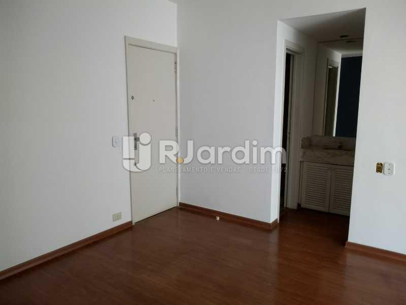 sala / entrada  - Compra Venda Avaliação Imóveis Flat Residencial Humaitá 2 Quartos - LAFL20080 - 5