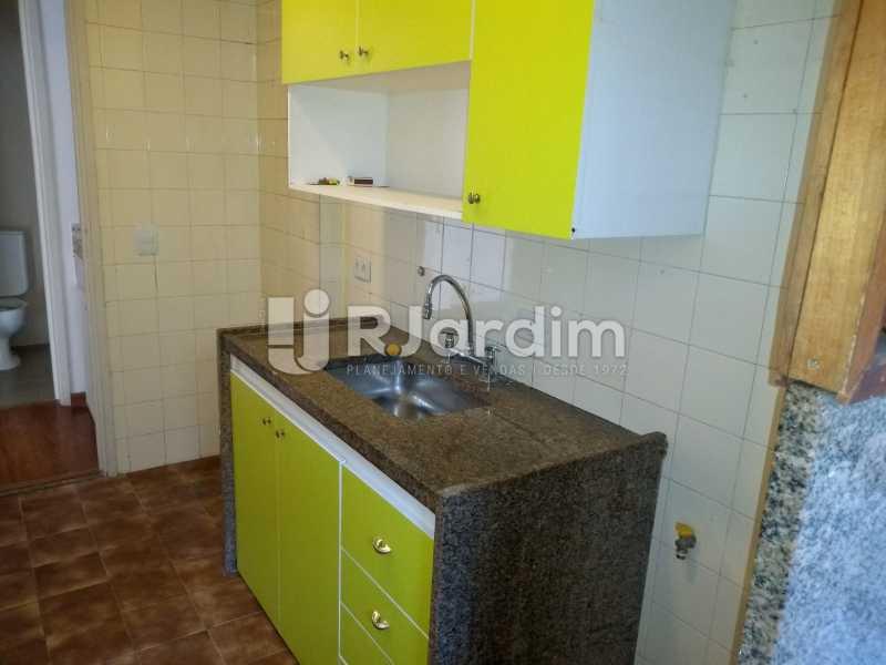 cozinha  - Compra Venda Avaliação Imóveis Flat Residencial Humaitá 2 Quartos - LAFL20080 - 23
