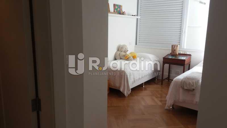 Quarto 2 - Compra Venda Avaliação Imóveis Apartamento Leblon 3 Quartos - LAAP31838 - 11