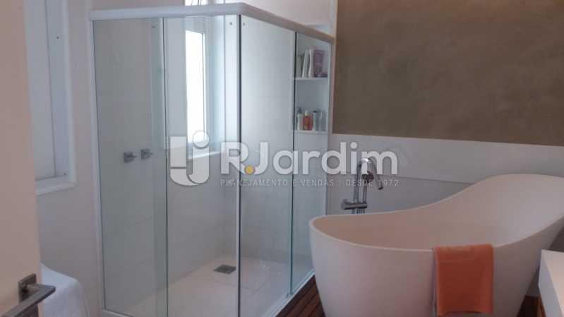 Banheiro suíte máster - Compra Venda Avaliação Imóveis Apartamento Leblon 3 Quartos - LAAP31838 - 18