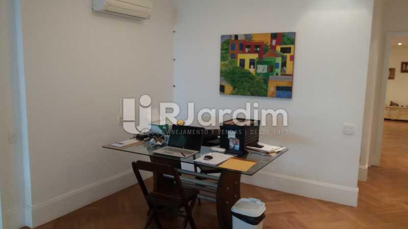 Escritório na sala - Compra Venda Avaliação Imóveis Apartamento Leblon 3 Quartos - LAAP31838 - 5