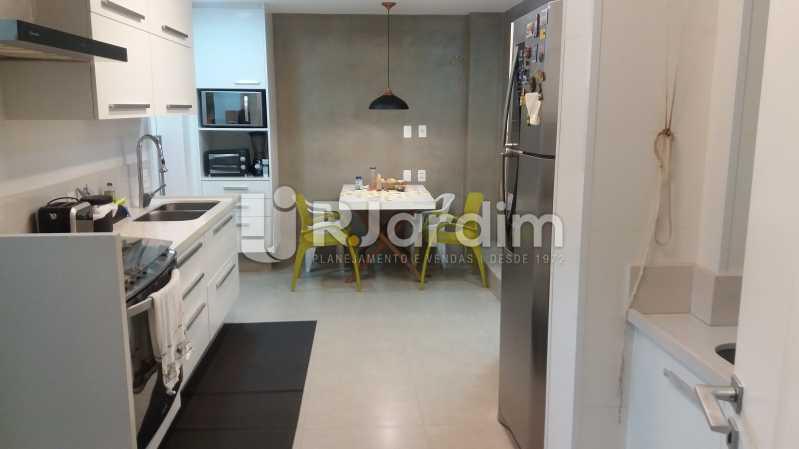 Cozinha com copa - Compra Venda Avaliação Imóveis Apartamento Leblon 3 Quartos - LAAP31838 - 23