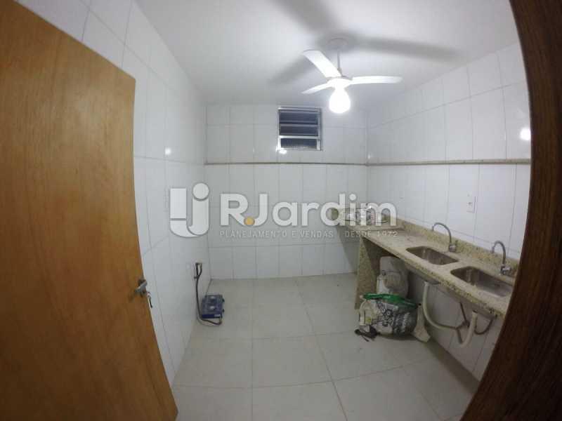 Cozinha  - Compra Venda Avaliação Imóveis Prédio Comercial Botafogo - LAPR00040 - 15